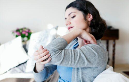 Imate probleme sa OTEČENIM i bolnim zglobovima? Isprobajte narodni lek od ŽELATINA