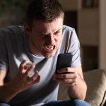 """Žena mu je dugo ostajala na poslu, a onda je uzeo telefon i video SRAMNE poruke: """"Besan sam"""""""