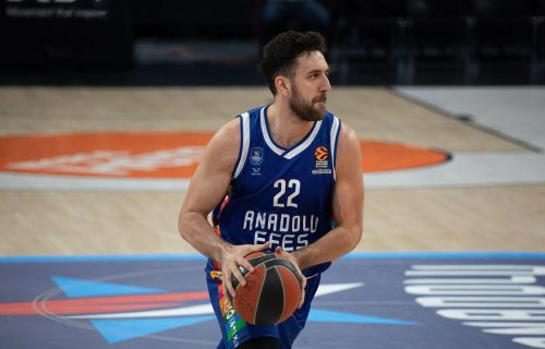 Da se zna ko je MVP Evrolige! Čudesan potez Vase Micića, trojka kakvu samo Srbin može da postigne (VIDEO)