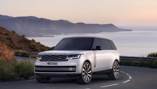 Debitovala 5. generacija Range Rovera: Elegantan dizajn, snažan BMW agregat i EV u najavi (VIDEO)