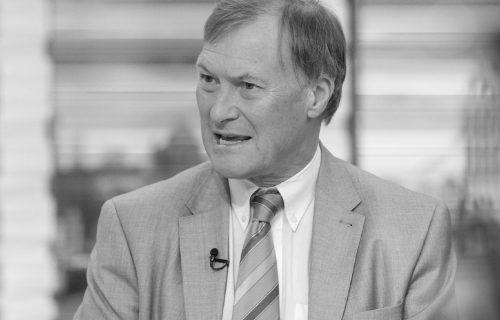 PREMINUO britanski poslanik: Izboden nožem tokom sednice