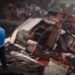 Stravična TRAGEDIJA u Nepalu: Uznemirujući prizori - autobus završio u provaliji, 28 ŽRTAVA (VIDEO)