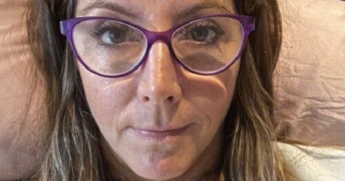Sara radnicima na SASTANKU saopštila šokantne vesti: Svi su se uhvatili za glave i zaplakali (VIDEO)