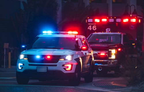 PUCNJAVA u Americi: Četvoro ljudi ubijeno, dve žene i muškarac preminuli na licu mesta