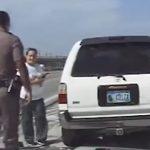 Policajac zaustavio ženu, prišao joj da je legitimiše, a onda se umalo dogodila tragedija (VIDEO)