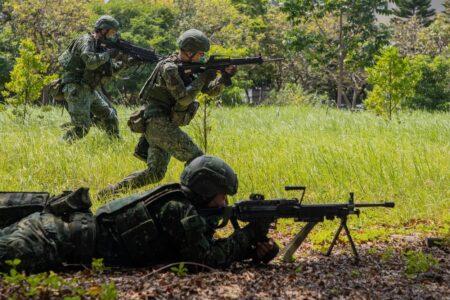 Tajvan napravio borbeni egzoskelet: Pogledajte vojnike u akciji, nikad brži i snažniji (VIDEO)