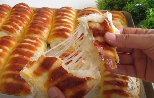 Najmekše testo na svetu: Dodajte sir i još jedan sastojak i uživajte u bogatom doručku (RECEPT+VIDEO)