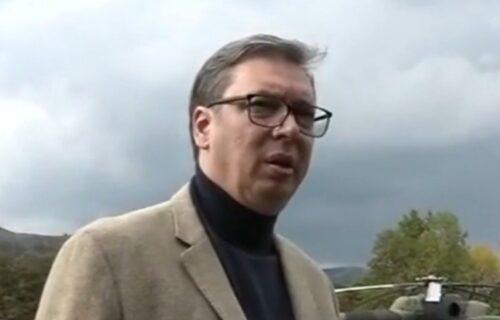 Državnik! Boris Tadić je bežao u Rumuniju, a Aleksandar Vučić izašao pred svoj narod!