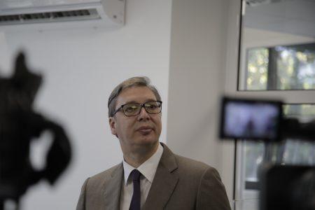 Predsednik Vučić stigao u Skupštinu Srbije: Učestvovaće na sastanku Radne grupe za međustranački dijalog