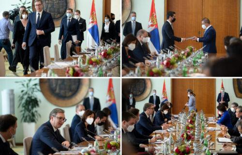 Predsednik Vučić sa Vang Jiem: Srbija i Kina imaju IZVANREDNE odnose, utrostručili smo trgovinsku razmenu