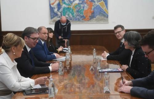Vučić sa ambasadorkom Ujedinjenog Kraljevstva: Važan razgovor o jačanju bilateralnih i ekonomskih odnosa