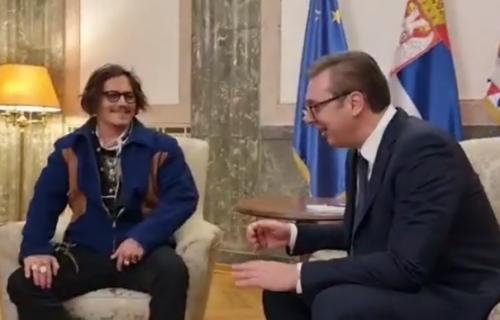 Vučić BRINE za dame zbog Džonija Depa: Evo šta se dešavalo iza KULISA sastanka u Predsedništvu (VIDEO)